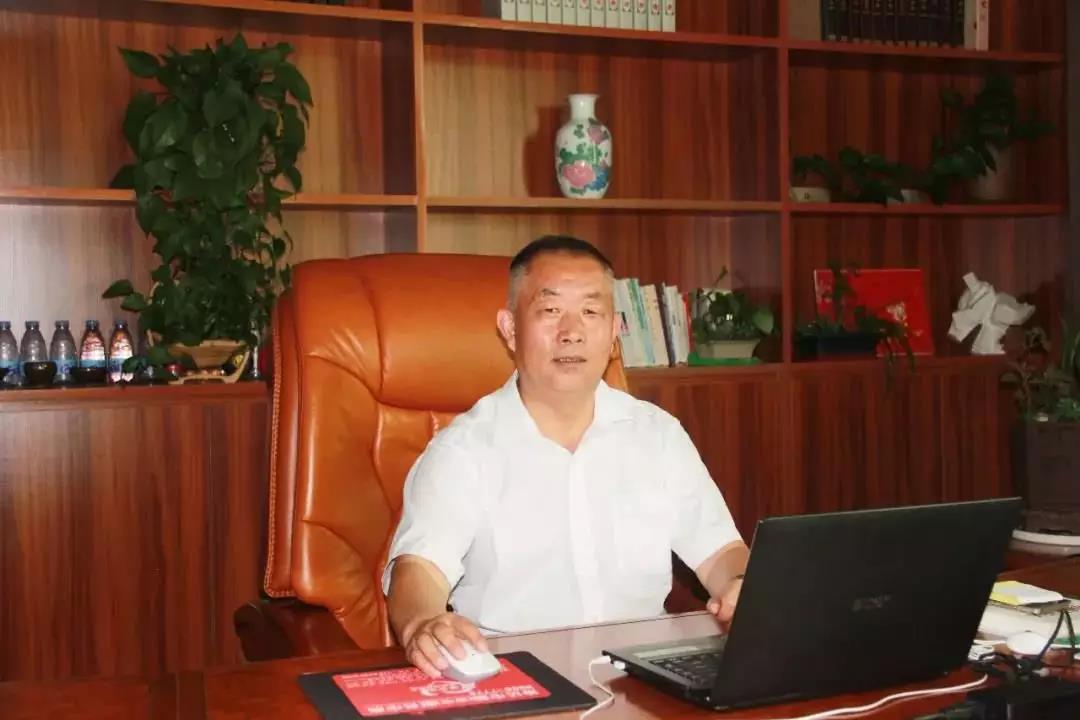 【改变农业40人】王小岗——以农贸市场为核心,推进农产品精准扶贫战略