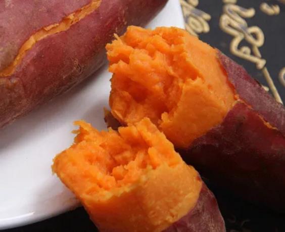 【展商风采】吃起来软软糯糯,抿一口,都是甜甜的香味——何爸红薯